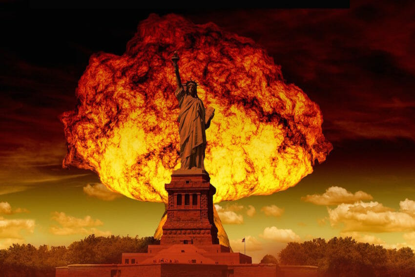 https://smhttp-ssl-62992.nexcesscdn.net/wp-content/uploads/2018/04/Statue-of-Liberty-and-Mushroom-Cloud-1024-850x567.jpg